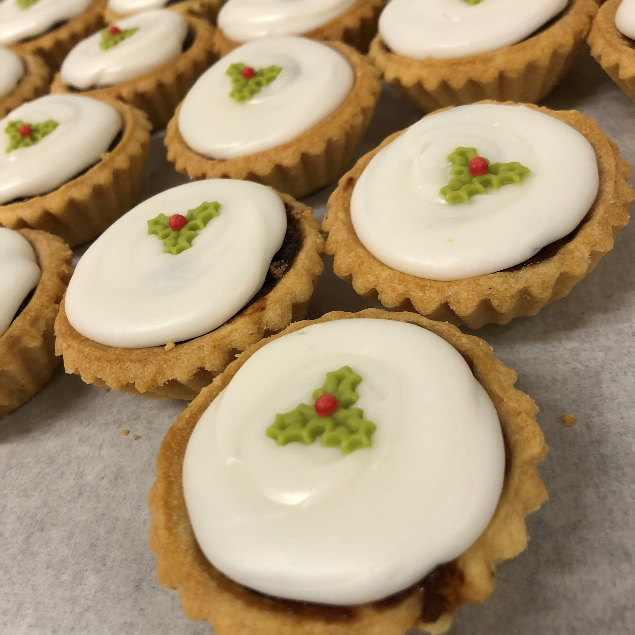 Iced Mince Pies (4)